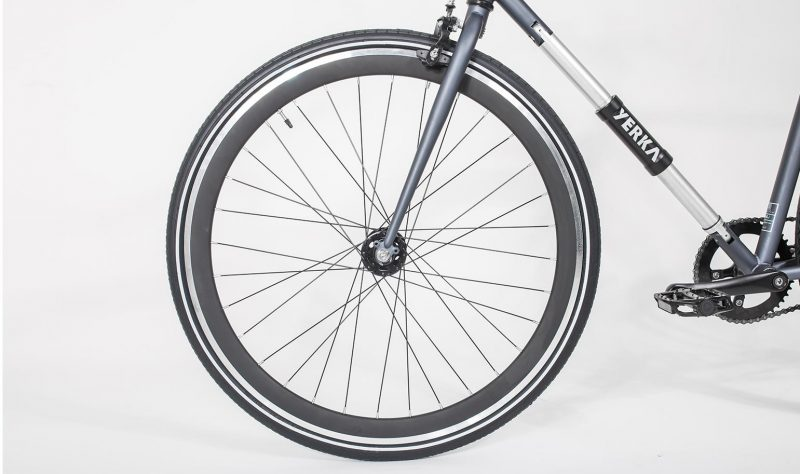 Yerka-v2-black-negra-rueda-wheel